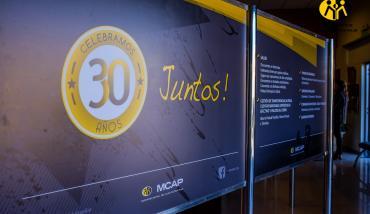 Panel interior - Cola para la caja - Atención al cliente en la Mutual del Club Atlético Pilar